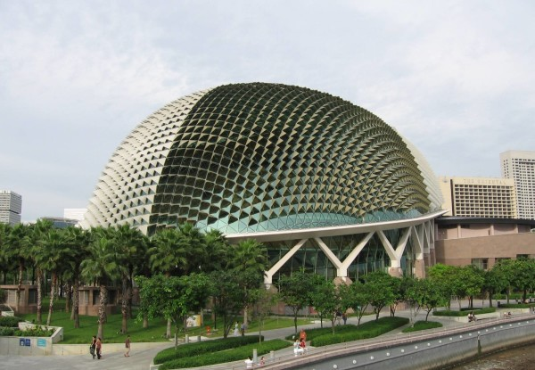 The_Esplanade_3,_Singapore,_Dec_05